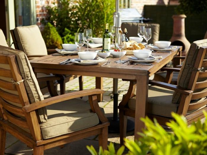 Passende Holzmöbel Pflege für Ihre Gartenmöbel