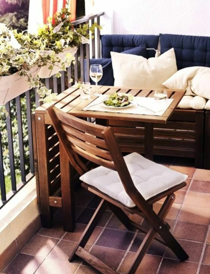 gartenmöbel set holz klappmöbel für den balkon
