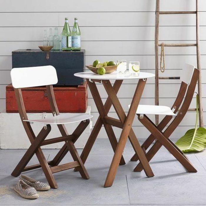 gartenmöbel-set-wohnfühloase-gestalten-moderne-klappstühle