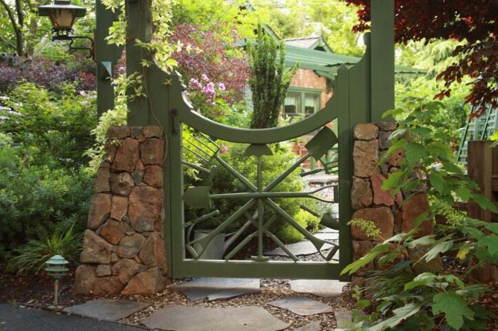 26 gartentor designs die den eintritt in den garten for Garteneingang gestalten