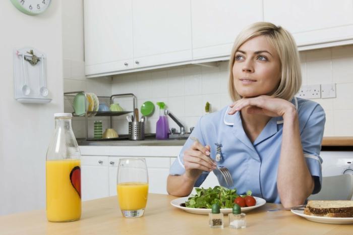 gesunde ernährung gesunder körper tipps frau küche