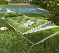 Hängematte mit Gestell für entspannende Momente im eigenen Garten
