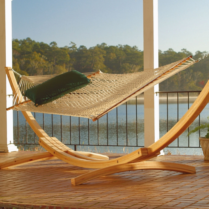 h ngematte mit gestell f r entspannende momente im eigenen garten. Black Bedroom Furniture Sets. Home Design Ideas