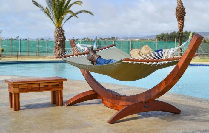 hängematte mit gestell lounge möbel und hängematten am pool