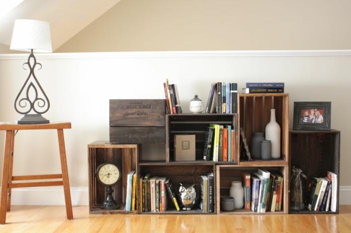aus holzkisten lassen sich praktische m bel und. Black Bedroom Furniture Sets. Home Design Ideas
