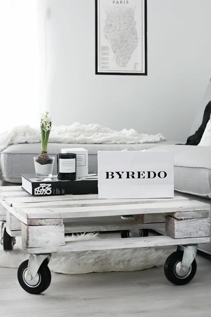 holztische möbel aus paletten auf rollen holztisch selber bauen