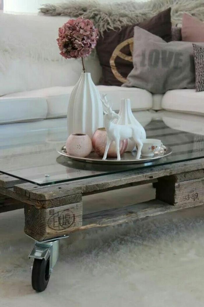 holztische paletten rollen glasscheibe holztisch selber bauen