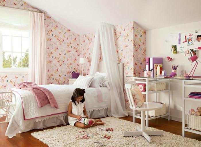 Kinderzimmer Wandgestaltung Tapete : kinderzimmer wandgestaltung tapete florales muster teppich himmelbett
