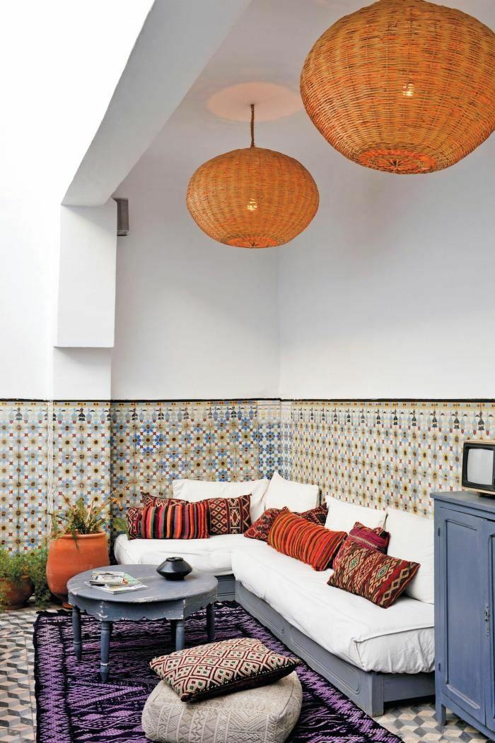 kleine terrasse gestalten rustikale möbel orientalischer stil