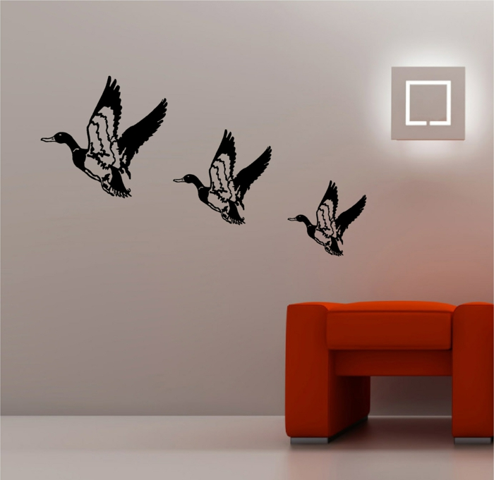 kreative wandgestaltung wandsticker oranger hocker