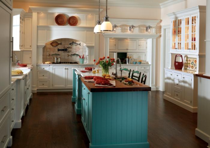 landhausküche kücheninsel tolle küchenrückwand helle küchenschränke