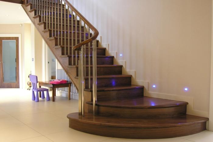 led treppenbeleuchtung traditionelles treppenhaus design