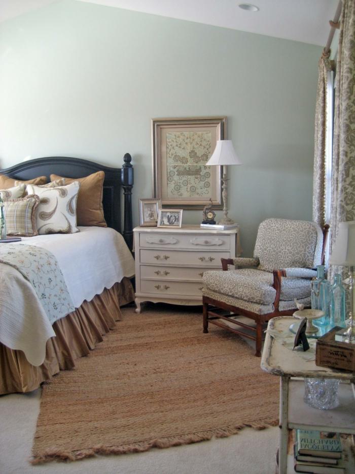 Schlafzimmer Landhausstil Blau #18: Möbel Landhausstil Schlafzimmer Teppichläufer Sessel Kommode