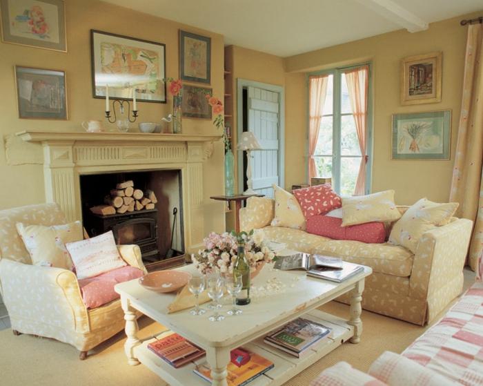 möbel landhausstil wohnzimmer einrichten kamin dekokissen
