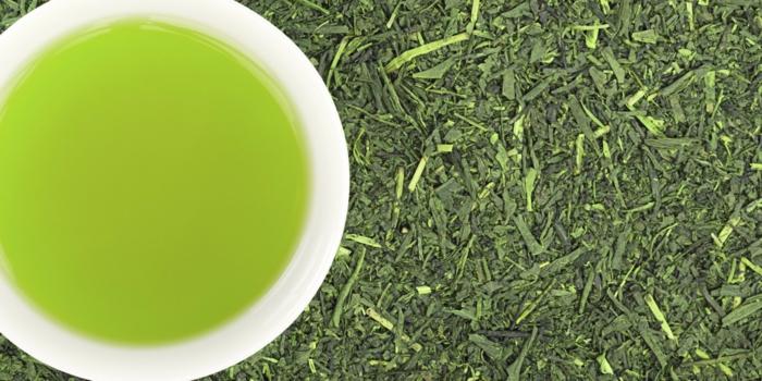 grüner tee getrocknete blätter gesund