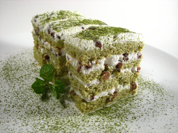grüner tee gesunder kuchen grünes pulver nüsse minze