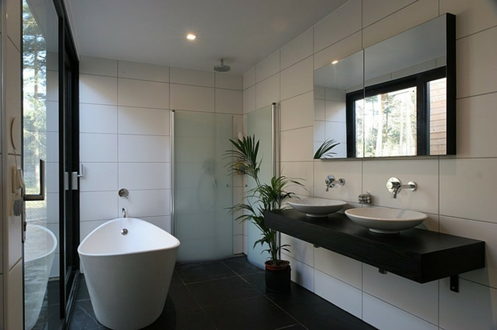 moderne badmöbel badewanne dusche pflanze