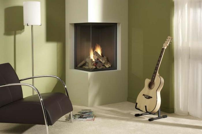 moderne kamine wohnzimmer sessel stehlampe