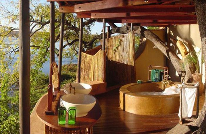 modernes badezimmer badewanne rund lehm exotisch