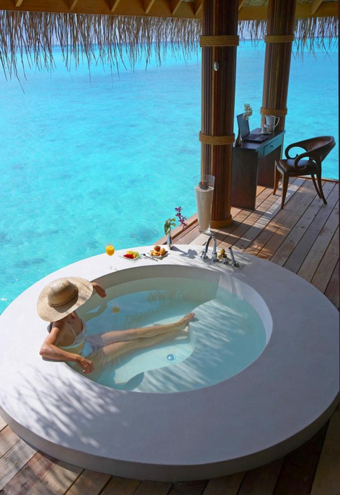 modernes badezimmer terrasse meeresblick
