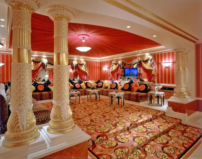 orientalische deko arabische inneneinrichtung goldene ornamente teppiche