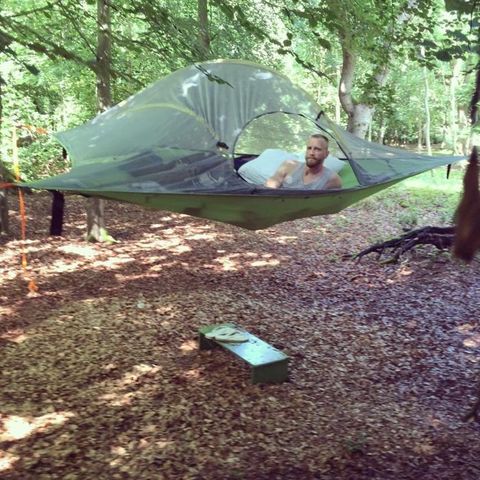 outdoor-zelt-tentsile-wald-camping-zelte-sommerurlaub
