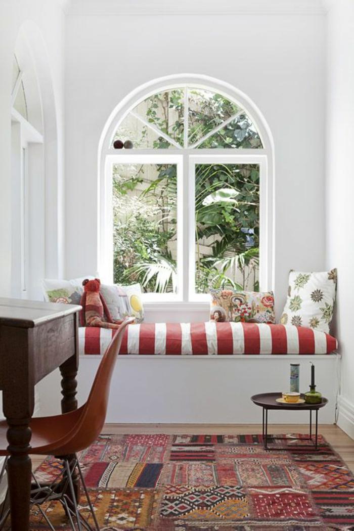 patchwork teppich wohnzimmer bodenbelag fensterbank gestalten