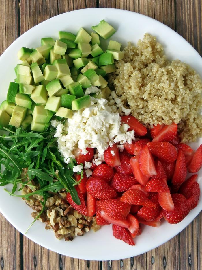 quinoa rezepte abocado erdbeeren rukola salat
