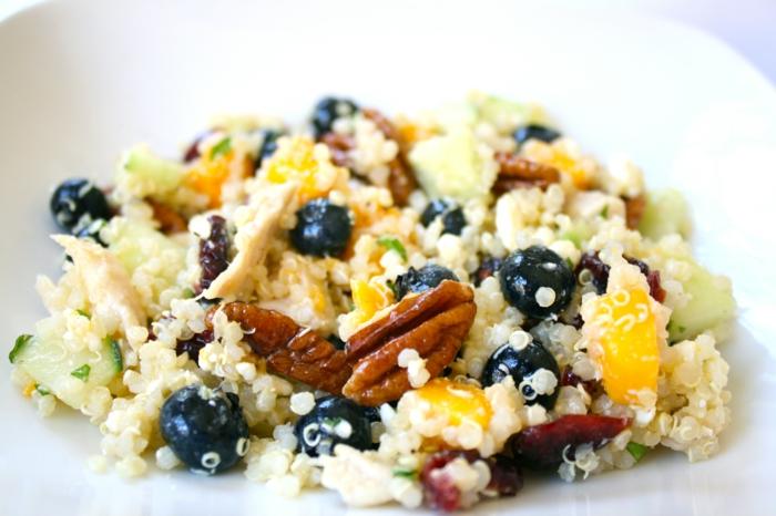 quinoa rezepte blaubeeren mango quinoa salat