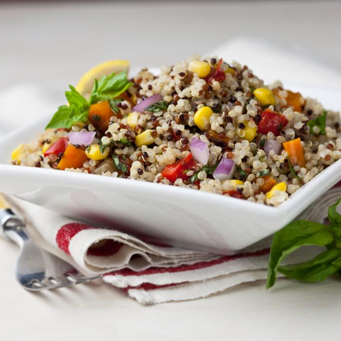 quinoa rezepte sommersalat paprika zwiebel mais basilikum