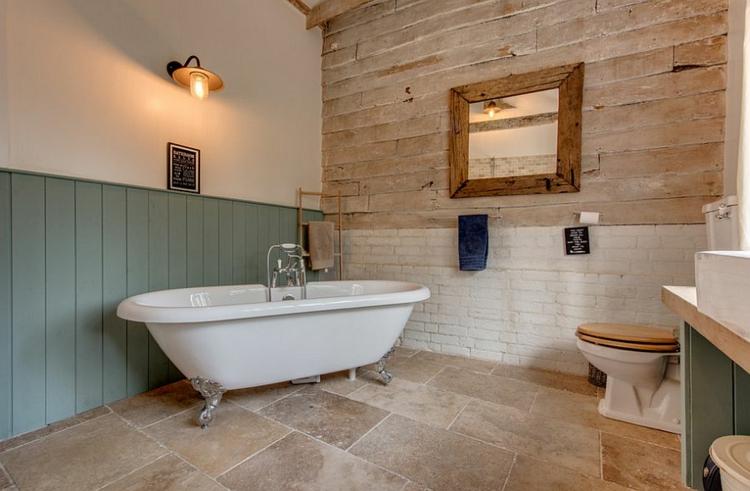 Badmöbel echtholz  Rustikale Möbel: 50 Beispiele für moderne Badmöbel im Landhausstil