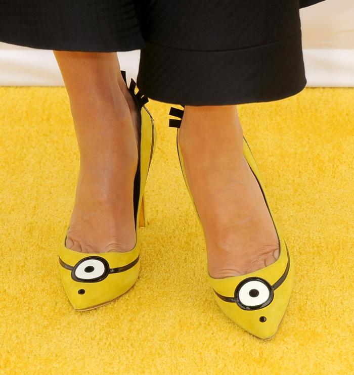 sandra bullock schuhe pantone farben gelb minion kostüme