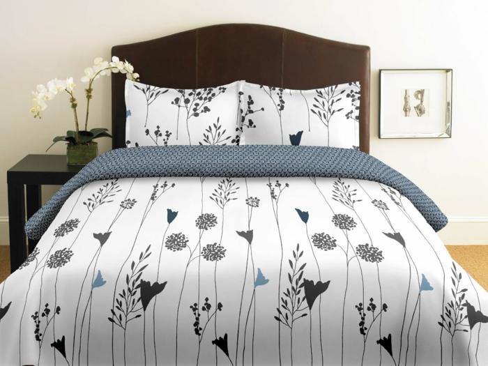 schlafzimmer dekorieren bettwäsche florale elemente blumen
