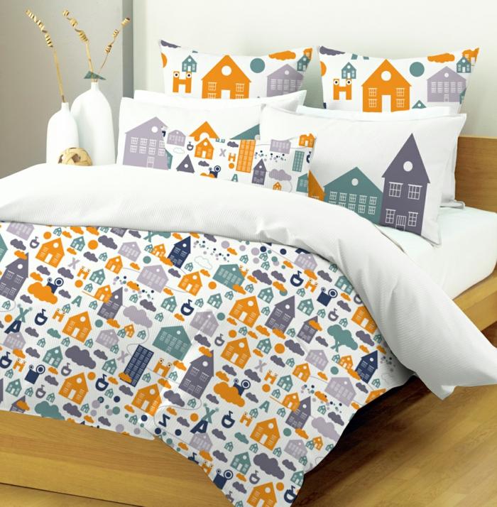 schlafzimmer dekorieren lustige bettwäsche holzboden wohnaccessoires