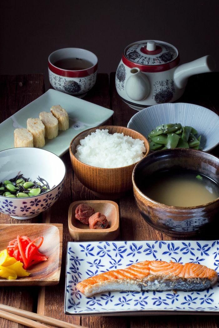 sushi geshirr set japanische tradition holz und porzellan schalen