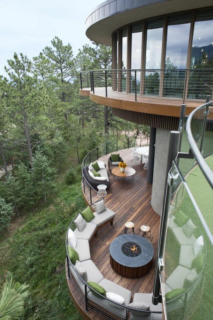 terrasse gestalten ideen rustikal rattanmöbel holzboden