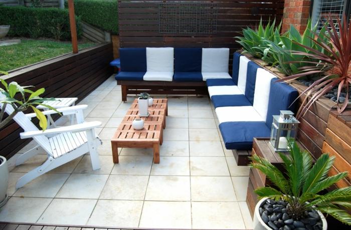 terrasse gestalten ideen frische außenmöbel holzmöbel pflanzen