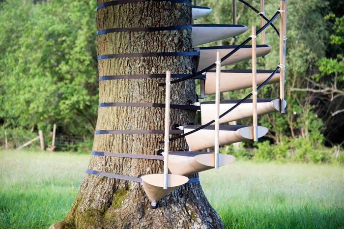 treppe selber bauen baumtreppe holz geländer