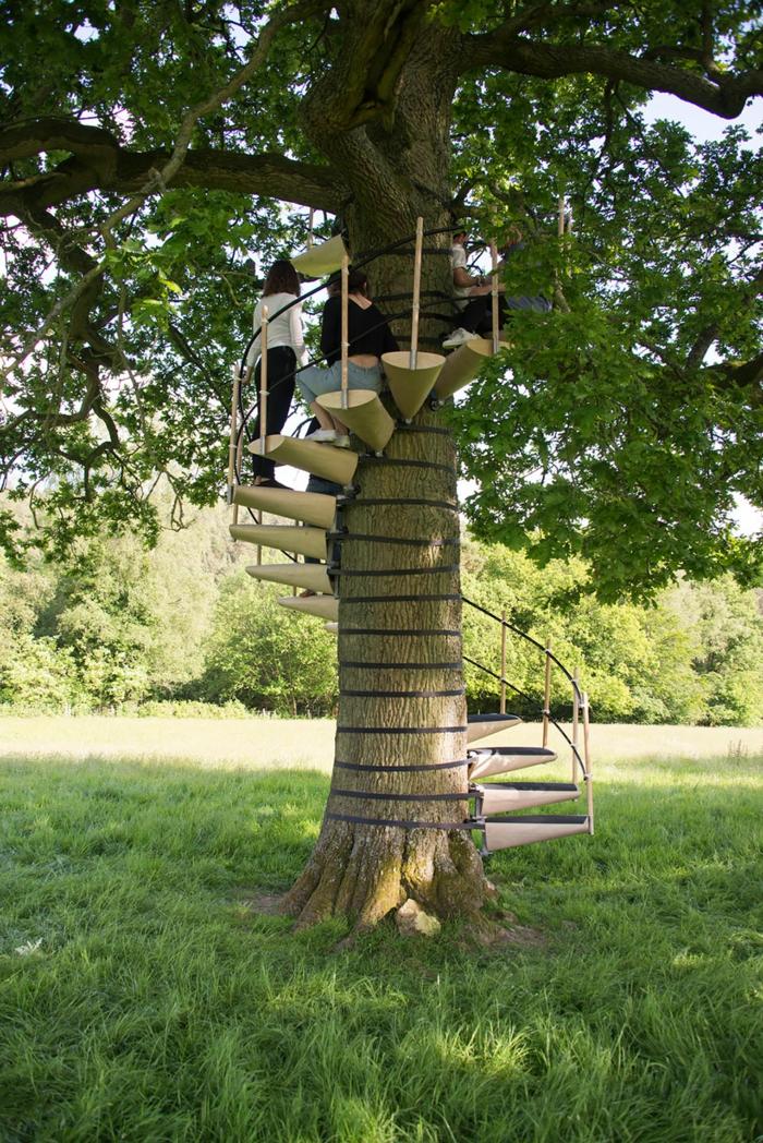 Wendeltreppe Um Einen Baum ? Innovatives Projekt Ersetzt Das ... Wendeltreppe Um Einen Baum Baumahus