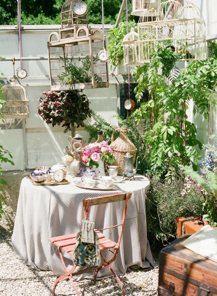 vintage deko gartenmöbel pflanzen gartendeko