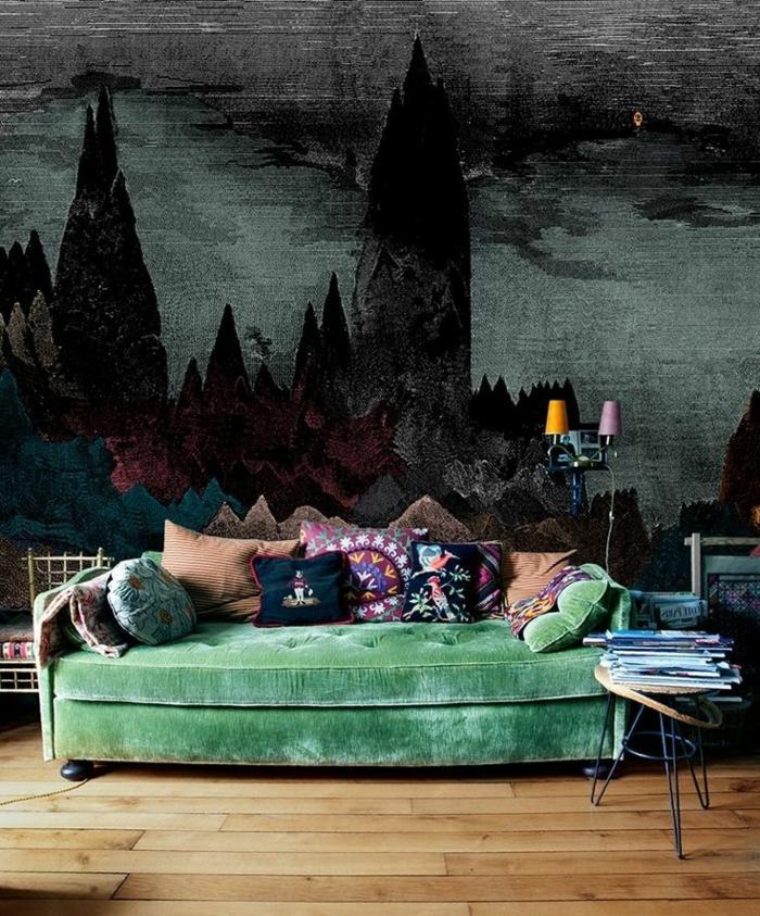 wandgestaltung ideen wohnzimmer grünes sofa beistelltisch