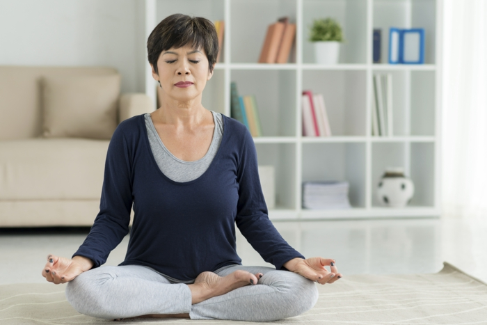 yoga gegen chronische schmerzen tipps