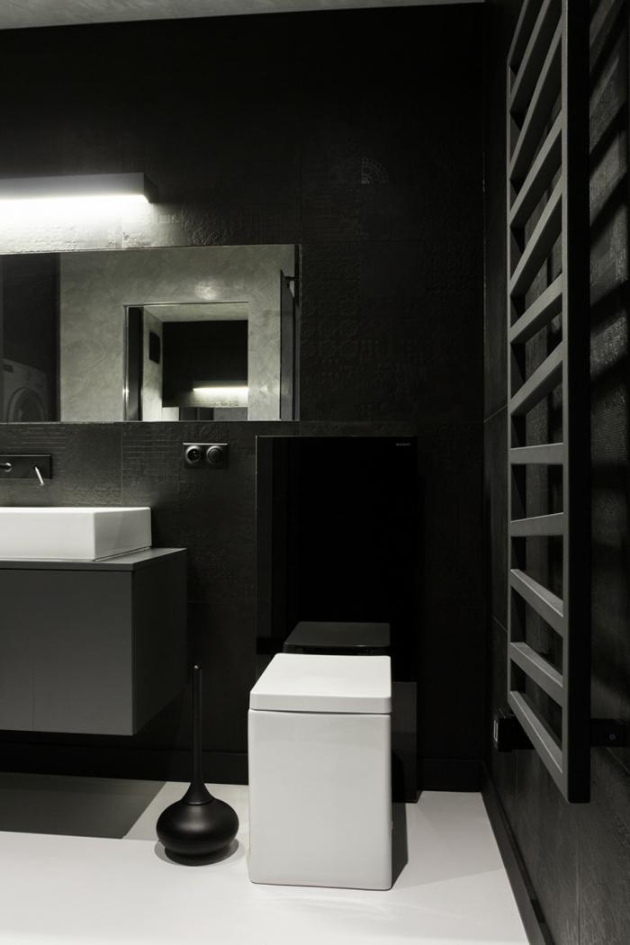 badezimmer schwarz wei gestaltung mit gegens tzen. Black Bedroom Furniture Sets. Home Design Ideas