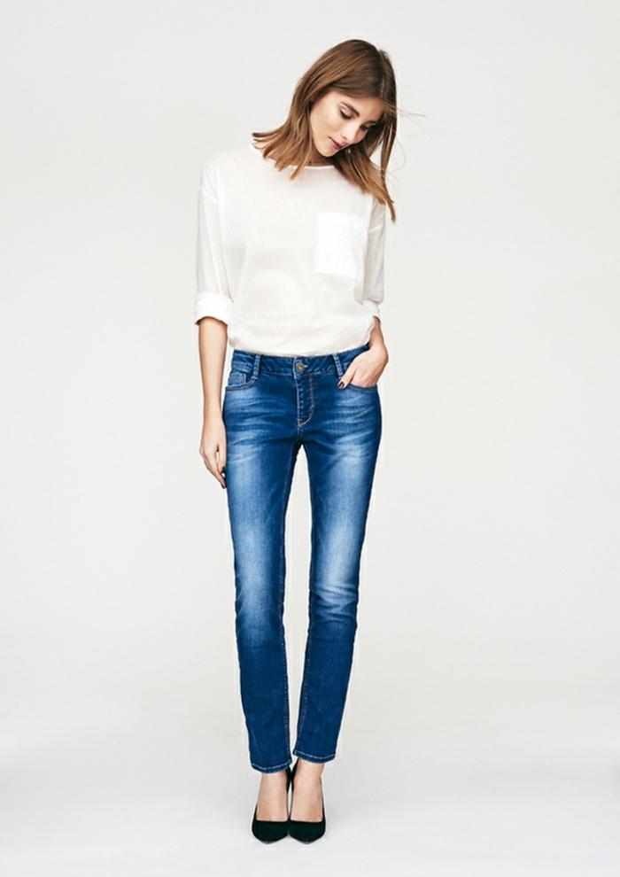 DAMENMODE. Die Damenmode von BON'A PARTE ist so gestaltet, dass Sie sich im Alltag und zu festlichen Gelegenheiten immer gut angezogen fühlen. Hier finden Sie eine breite Auswahl von Blusen, Kleidern, Tuniken, Tops, T-Shirts, Cardigans, Oberbekleidung, Schuhen und vielem mehr.
