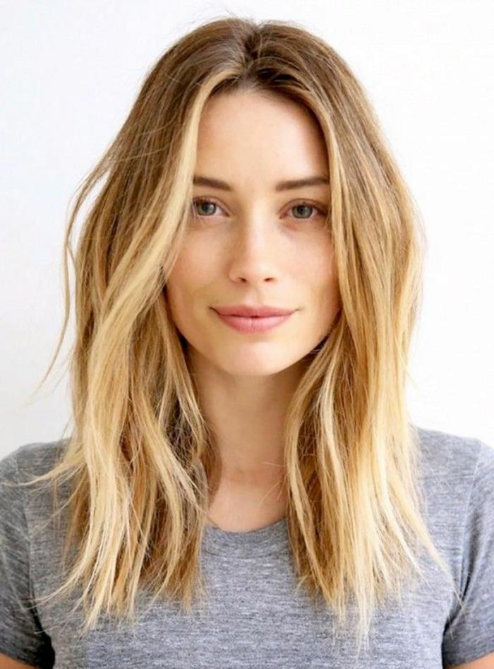 Moderne Frisur blond strähnchen haarschnitte herbst