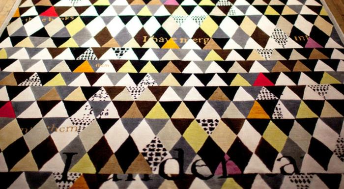 Wandteppich Sabine de Gunzburg atelier farbiges geometrisches muster