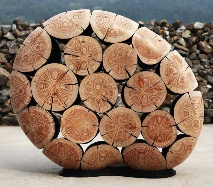 Zeitgenössische Kunst aus Holz fordert unser Feingefühl heraus