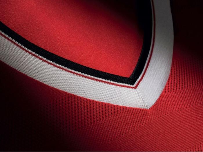adidas trikotsatz 20152016 fußballtrikots manchester united detail dekolletee