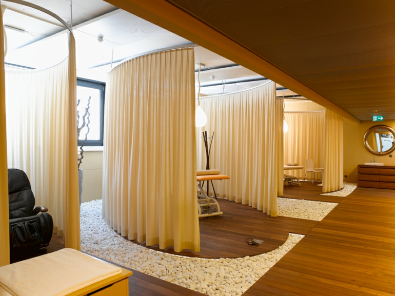 Massageraum luxus  Stress am Arbeitsplatz? - Mit Büroeinrichtung wie dieser wäre es ...