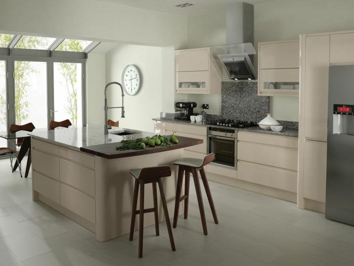 barhocker design schick beige küche schlicht